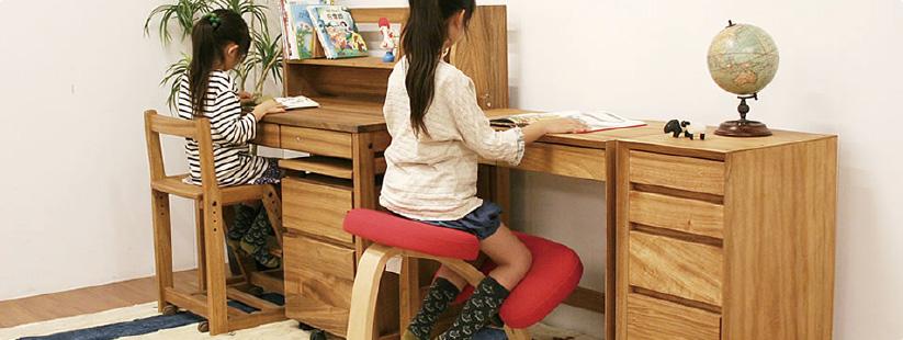 学習机はもう準備できましたか?頑固おやじの木のぬくもり一杯の学習机がおすすめです!